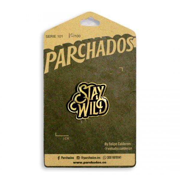 fotoproducto_pin_stay_wild_parchados_empaque